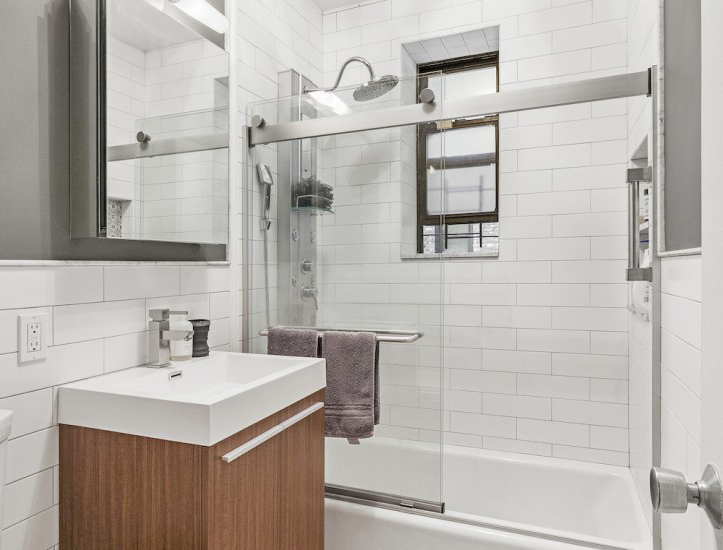 bathroom renovati上 Brooklyn